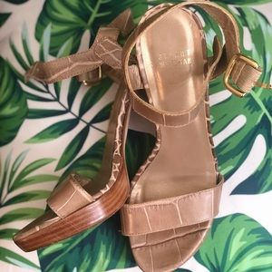 TAN ALLIGATOR PRINT STUART WEITZMAN sandals sz 9M
